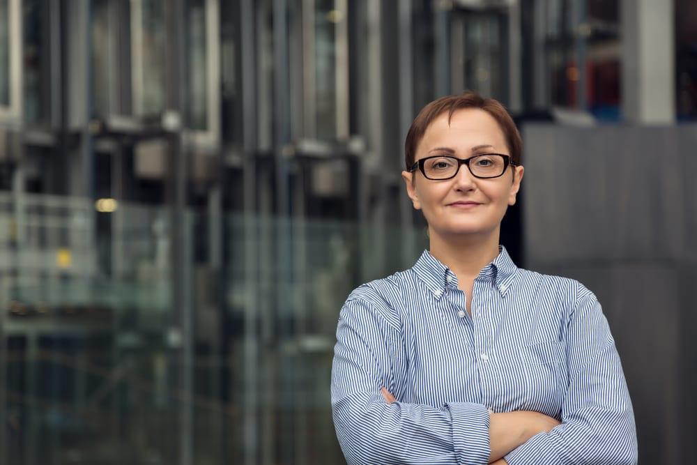 Top Ways to Better Recruit Women to Field Service