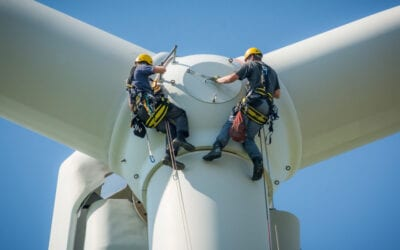 Don't Distract the Guy On the Wind Tower: 3 Tips for Stress-Free Wind Techs