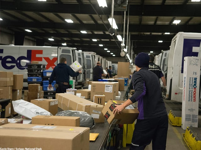 weekly must reads ups fedex hit the holiday delivery mark. Black Bedroom Furniture Sets. Home Design Ideas